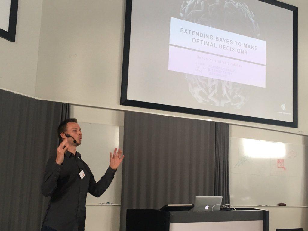 Jonas Kristoffer Lindeløv: extending bayes to make optimal decisions